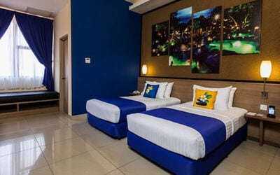 Ipoh: 2D1N Stay in Classical Room with Breakfast and Tickets to Sunway Lost World Hot Springs Night Park for 2 People