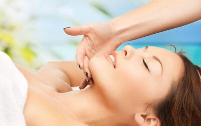 1.5-Hour Hydra Quench Facial Treatment for 1 Person