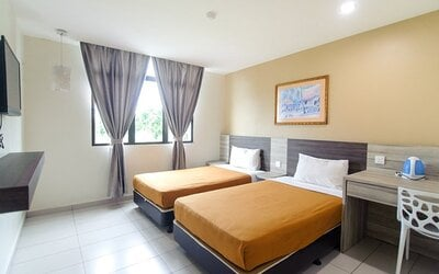 Malacca: 2D1N Stay in Standard Twin Room for 2 People