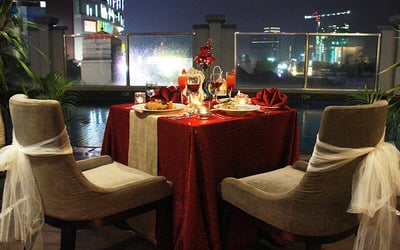 [#FaveValentine] Poolside Romantic Dinner for 2 Persons