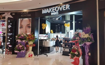 Makeover Paris Makeup and Hairdo Services for 1 Person