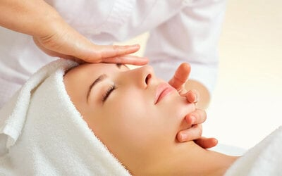 2-Hour Oxygen Infusion Detox Facial with Infrared Detoxifying Sauna and Eyebrow Shaping for 1 Person