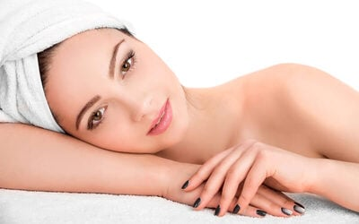 [Buy 1 Get 3] Calming Cleansing Facial + Classic Manicure + Pedicure + Color Polish