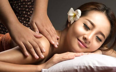 1x Ayurveda Body Massage + Head Massage + Hand Massage + Foot Massage + Foot Bath + Hot Oil + Welcome Drink + Herbal Drink (95 Menit)