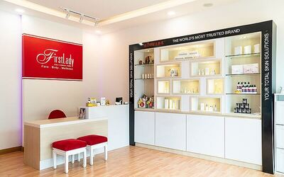 1.5-Hour First Lady Signature Brush Tech Micro Cleanse Facial with Shoulder Massage and Eyebrow Shaping for 1 Person