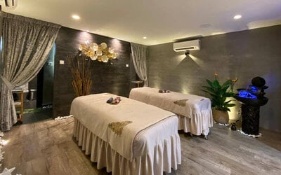2-Hour Hydro Refresh Glow Facial Treatment with Colon Detox + Aromatherapy Shoulder and Back Massage for 1 Person